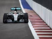 Lewis Hamilton course Russie 2015