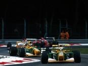 Michael Schumacher s'octroie la 3ème place du Grand Prix d'Italie au terme d'une incroyable remontée.