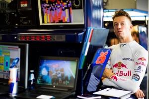Daniil Kvyat top Singapour 2016