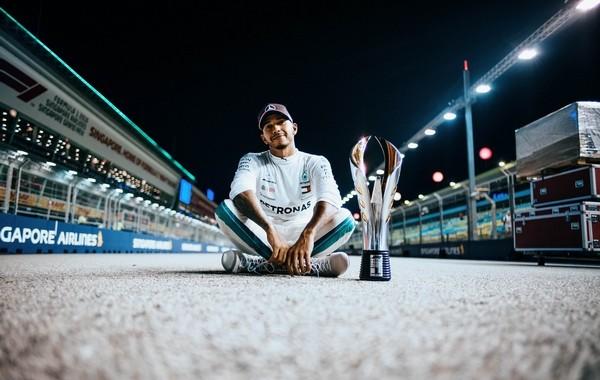 Lewis Hamilton the top Singapour