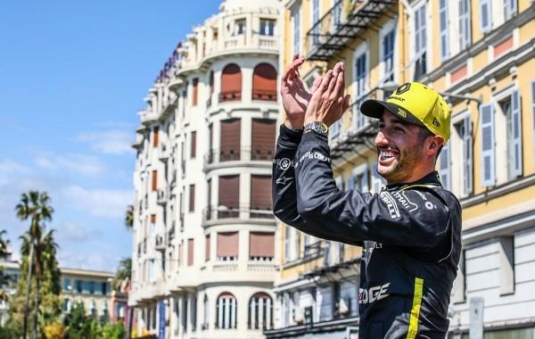 Daniel Ricciardo roashow Nice